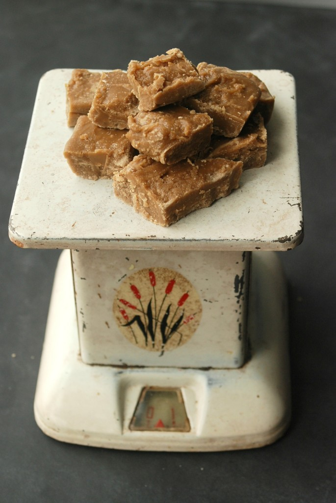 Penuche Fudge recipe from Endlessly Inspired - a sweet, creamy brown sugar-based candy. So delicious!