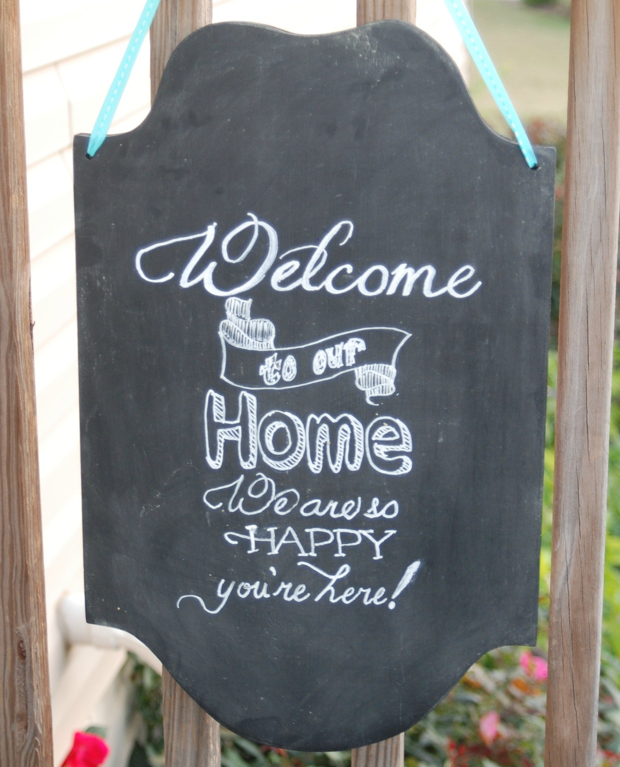 Faux Chalkboard Guest Room Sign from Endlessly Inspired