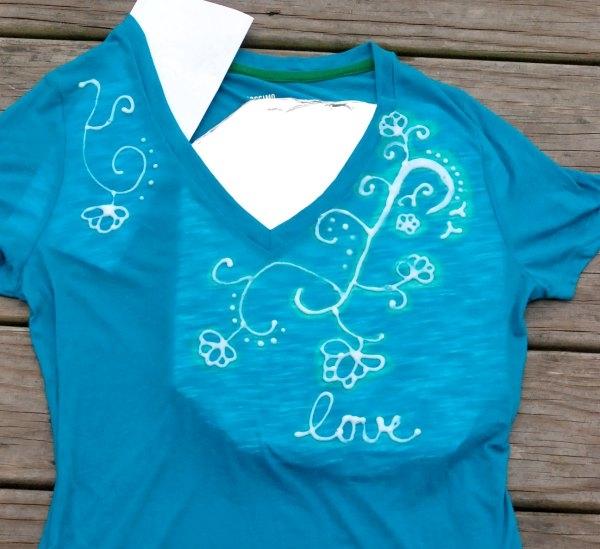 Use a Clorox bleach pen to create awesome designs on a plain t-shirt!