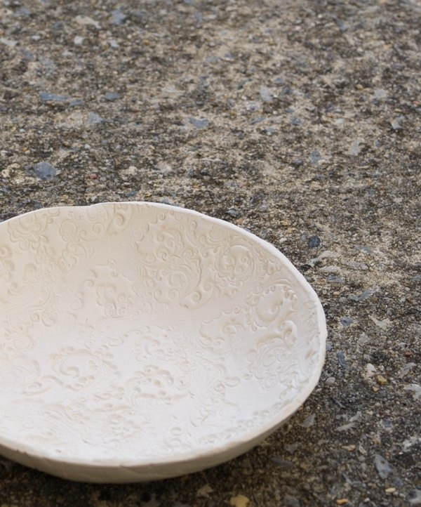 Make these gorgeous stamped clay bowls with air-dry clay: no firing or baking needed!
