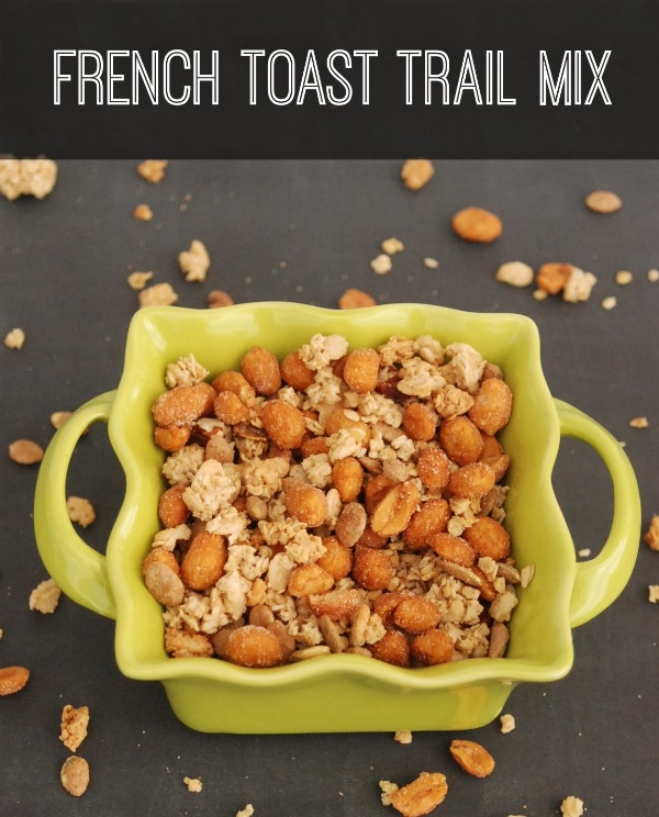 Make this sweet and delicious French Toast Granola with snacks delivered to your door from NatureBox. #natureboxsnacks #CleverGirls