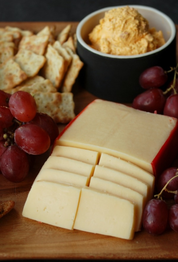 After-school snacks don't have to be boring or unhealthy. Whip up a cheese and cracker plate in no time! #HavartiParty #MC #sponsored
