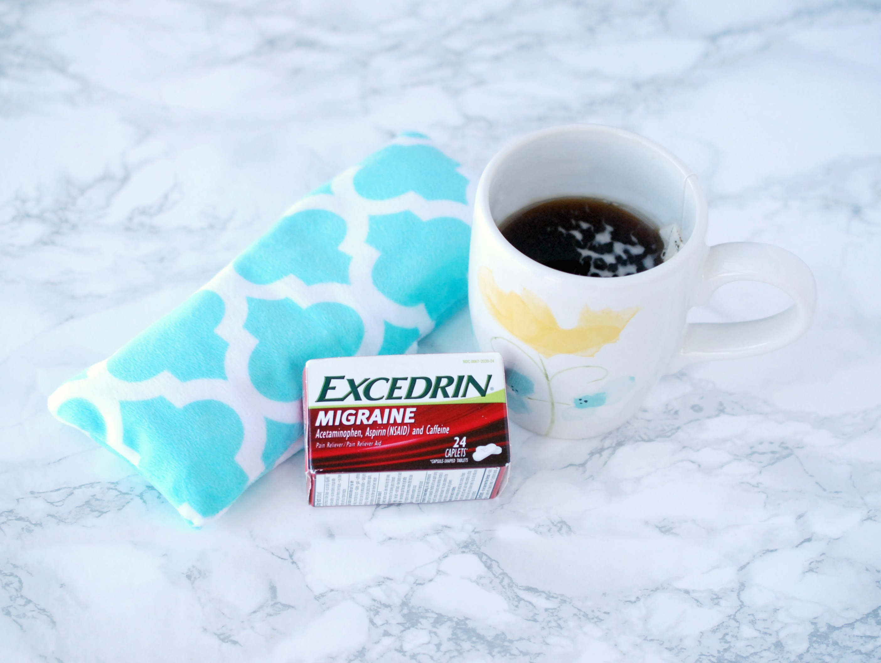 Learn how to make a flaxseed, lavender and chamomile eye pillow to help combat nasty headaches. #MoreMomentsWithExcedrin #ad